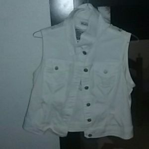 White vest with  netted back